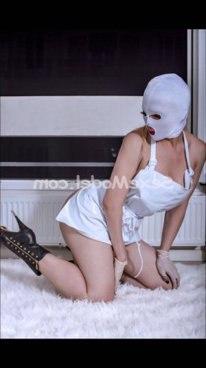 Loulia massage tantrique à Brech 56