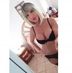 Ylouna escorte girl